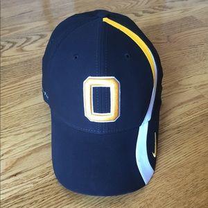 Other - UW Oshkosh hat